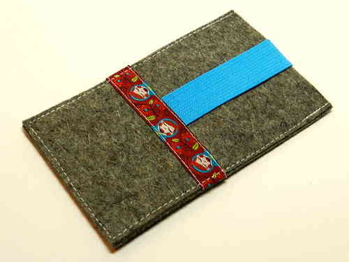smartphone cover felt - MATROSCHKA RED