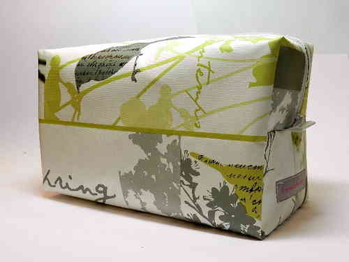 toiletry bag waxed fabric LIGHT GREEN FLOWERS