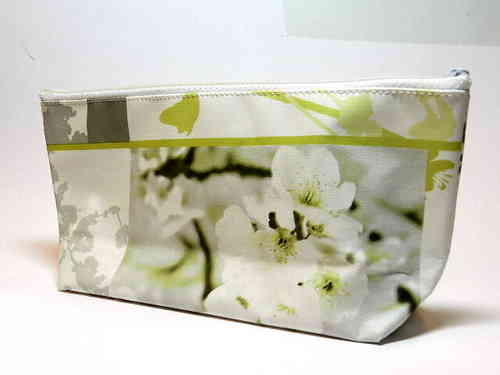 "pencil case waxed fabric ""LIGHT GREEN FLOWERS"""