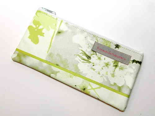 "pencil case flat waxed ""LIGHT GREEN FLOWERS"""