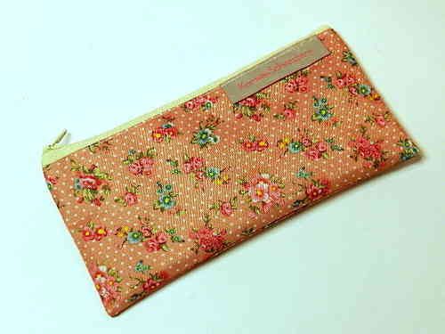 "pencil case flat ""ROSES ON PINK"" PVC Ripstop"