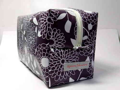 toiletry bag waxed fabric - FLOWERS ON PURPLE