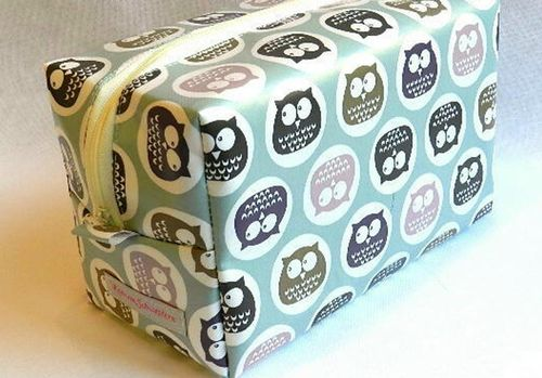 toiletry bag waxed fabric - CUTE OWLS