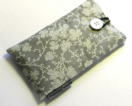 smartphone cover - BRANCHES ON GREY - button