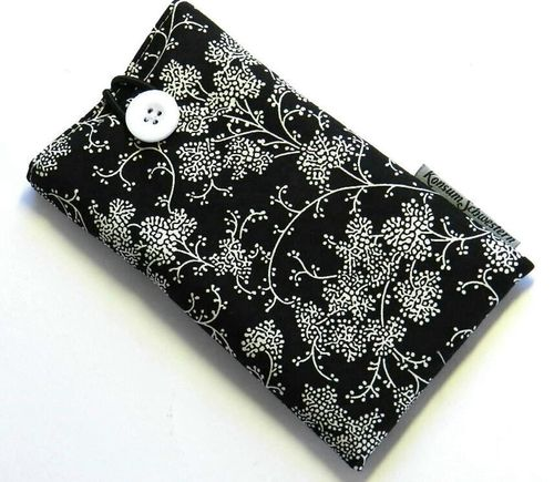 smartphone cover - BRANCHES ON BLACK - button